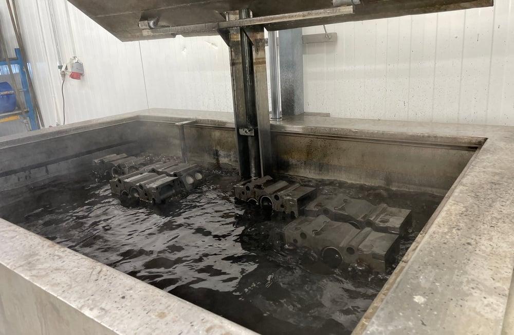 Motordeler i ultralydvasker.